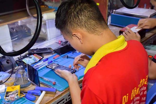 Học sửa chữa điện thoại tại Hà Nội (ảnh 7)