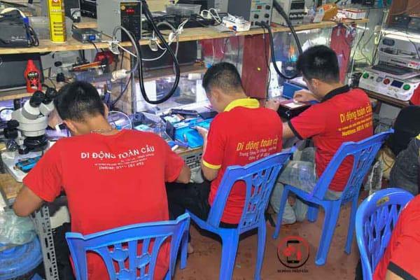 Học phí học nghề sửa chữa điện thoại 4