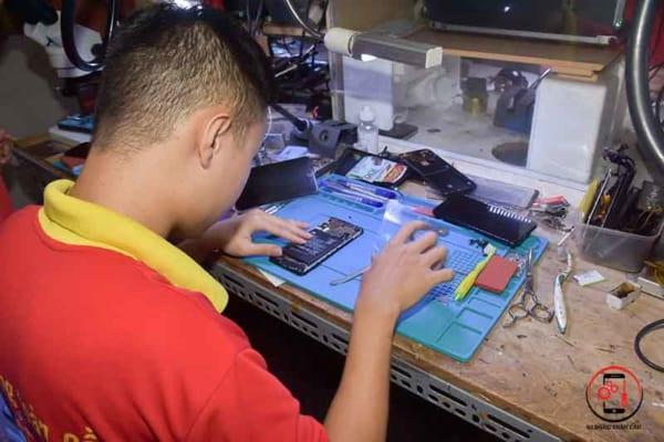Học sửa chữa điện thoại online 2