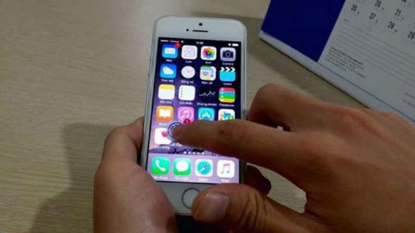 Test diểm chết trên màn hình iPhone 2