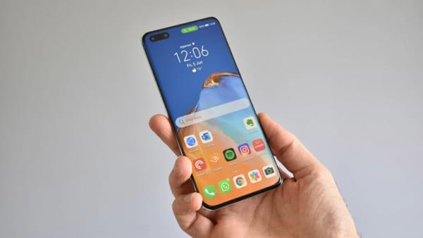 Huawei P40 Pro được trang bị tấm nền OLED