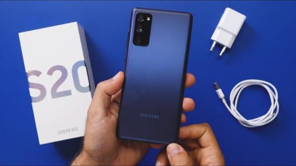 cả hai thiết bị Galaxy S20 FE và Note 20 đều được trang bị viên pin có dung lượng trên 4000mAh