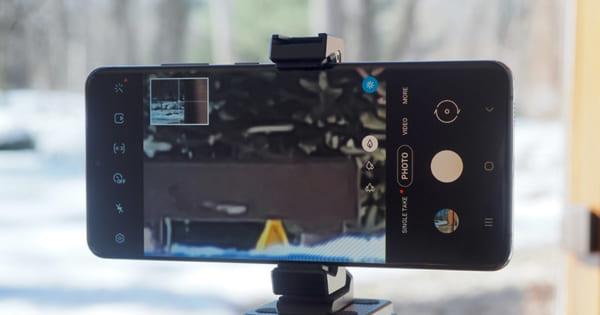 Đối Đầu Chất Lượng Camera