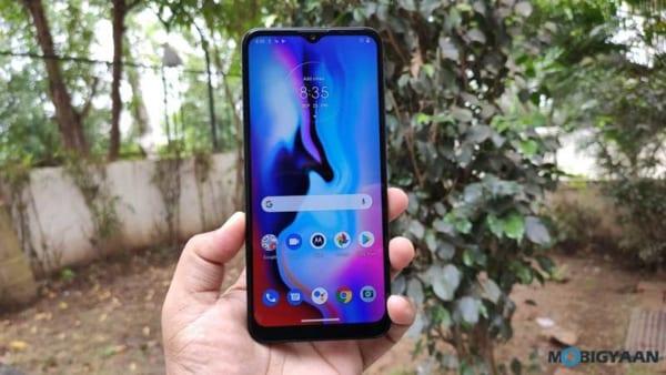 Motorola E7 Plus được trang bị màn hình 6,5 inch