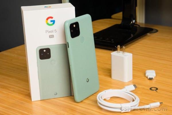 Google Pixel 5 sở hữu viên pin có dung lượng tầm trung với 4080mAh và sạc nhanh 18W