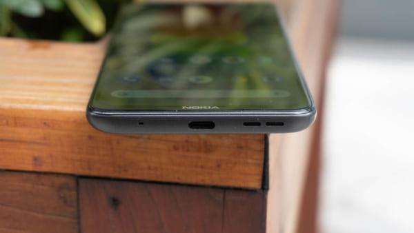 Màn hình LCD 6,55 inch có độ phân giải màn hình 1.600 x 720