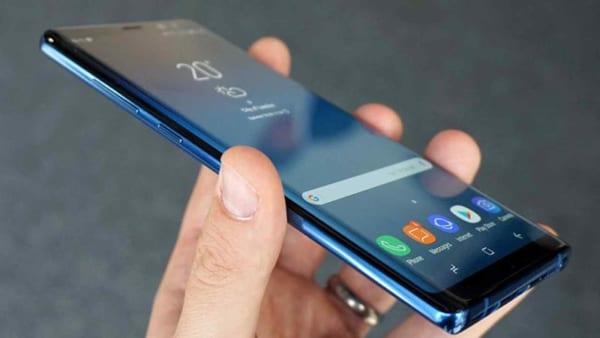 Samsung Galaxy M51 tuy không có thiết kế quá thanh lịch, nhưng chắc chắn vẫn sẽ hấp dẫn