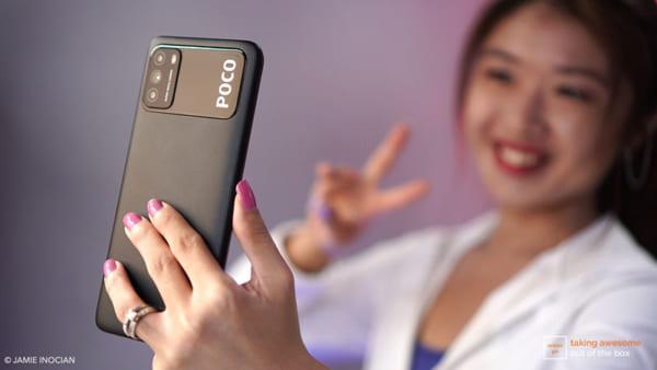 Camera selfie được lắp đặt ở phần giọt nước có độ phân giải 8MP