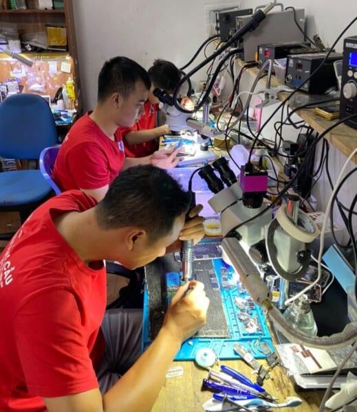 học nghề sửa chữa điện thoại tại quảng ninh 32